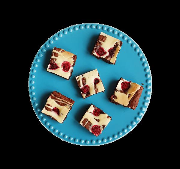 Raspberry White Choco Brownie - Unieke bio fudgy brownies bestel je bij EKOBITES | All Organic | Ambachtelijk | Duurzaam | Vers op order | Vegan Keuzes - Kleinhandel - Groothandel - Relatiegeschenken