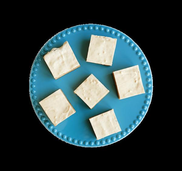 Bio White Chocolate Blondies - De lekkerste blondies nu volledig biologisch! Gemakkelijk per post, voor 14.00 besteld is zelfde werkdag verzonden! Maak kennis met de overheerlijke brownies van EKOBITES | All Organic | Ambachtelijk | Duurzaam | Vers op order | Vegan Keuzes