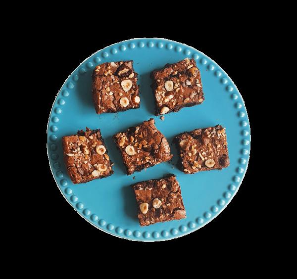 Een uniek cadeautje door je brievenbus. Handgemaakt met pure biologische ingrediënten. Ook vegan keuzes! Voor 14:00 besteld, vandaag verzonden! Elke brownie is ambachtelijk, vers, duurzaam en lekker FUDGY! .