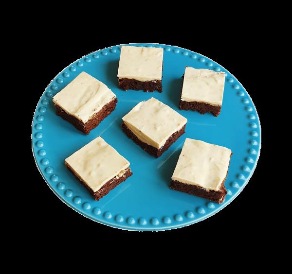 Biologische bio fudgy brownies, ambachtelijk, ver op order, duurzaam en zonder onzin ingrediënten - Bestel gemakkelijk online en betaal simpel via Ideal, voor de lekkerste bio fudgy brownies per post, moet je bij ons EKOBITES zijn. Bio brownie box - cookie box - exclusive cakes & more