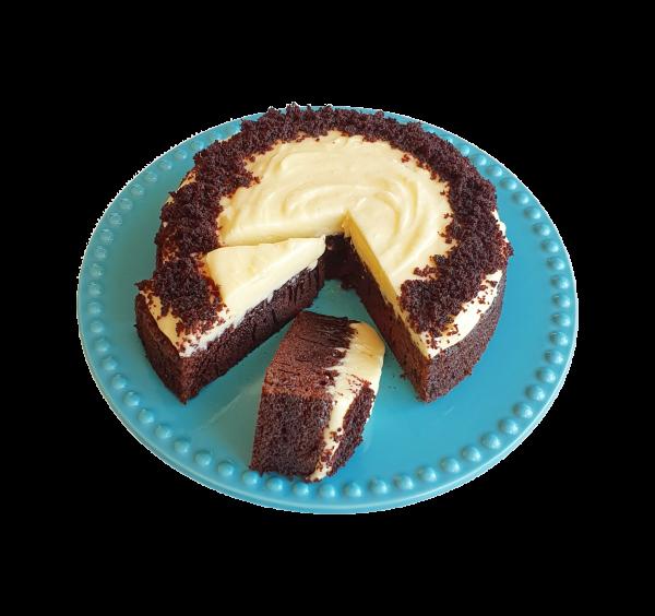 Classic Red Velvet Cake Biologische taarten Biologische Gebak bestellen online bezorgen bedrijfstaarten lekkere luxe bijzondere taarten cakejes en gebak bestel nu online taart bestellen taartenshop taartenwinkel bio gebakjes verjaardagstaart den haag voorburg zoetermeer leiden wassenaar gouda alphen aan den rijn hoek van holland delft delfgauw