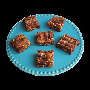Organic Fudgy Peanutbutter Brownies per post - Bestel de lekkerste chocolade gebakjes biologische en verantwoord, voor 14.00 besteld is zelfde dag verzonden. Bestel gemakkelijk online via Ideal - Ambachtelijk | Duurzaam | Vers op Order | Bio Brownies online bestellen!