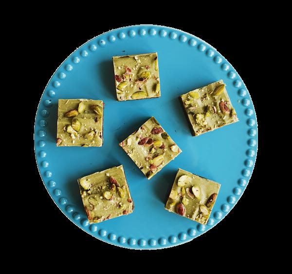 Bio Vegan Brownie Box - Natuurlijke Koekjes per post online bestellen - Biologische Lekkernijen per post - Luxe traktatie geschenk pistashe brownies
