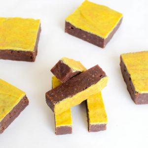 Vegan Organic Brownies - Fudgy brownies per post online bestellen, perfect als traktatie of voor uw eigen genot - Veganistische chocolade gebakjes online bestellen - Eten met een geweten - Ambachtelijk en vers op order - Duurzaam en bewust