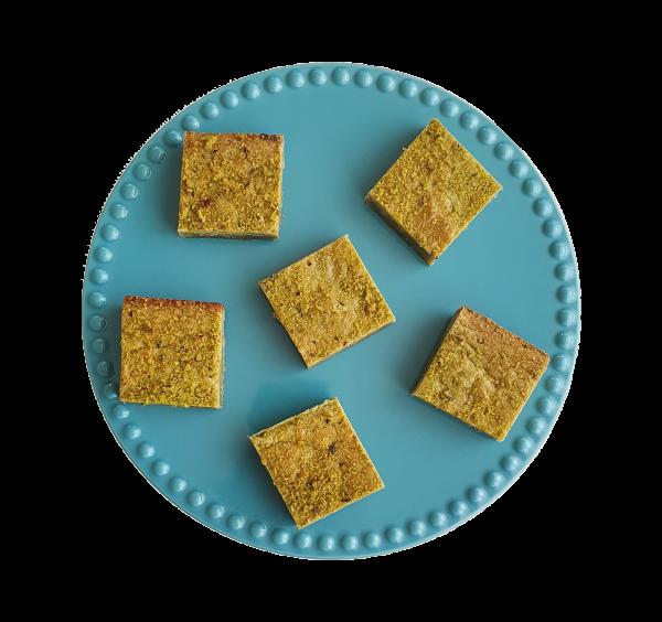 Bio Pistache Matcha Blondies - Ambachtelijk en vers op order - Fudgy Brownies per post, op werkdagen voor 14.00 besteld is volgende dag thuis! | De perfecte traktatie of relatiegeschenk | Particulier | Kleinhandel | Groothandel | All Organic