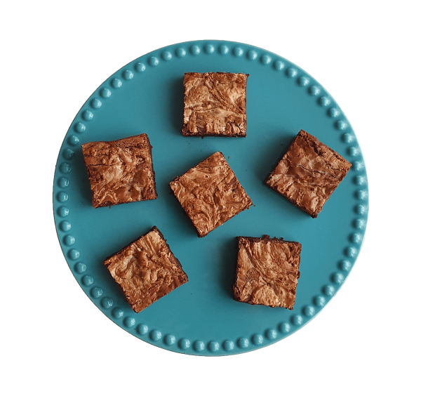 Organic White Chocolate Brownies *glutenarm - Fudgy brownies per post - Bestel gemakkelijk brownies,cookies, muffin en veel meer online via de webshop | EkoBites | Fudgy brownies | Moist muffins | Chewy cookies | Exclusive cakes & more - Relatiegeschenk - Traktatie