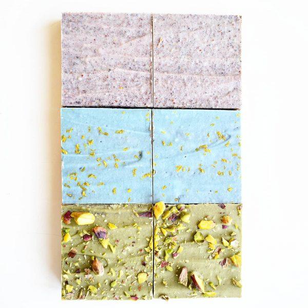 ORGANIC VEGAN Brownies per post!! - Geweldige unieke party box brownies nu met gratis persoonlijk boodschap - Onze brownies zijn Biologisch, Fudgy, Ambachtelijk, Duurzaam, Vers op order en de Lekkerste! - Verjaardagscadeau - Relatiegeschenk - Beterschap - Traktatie - Verwennerij