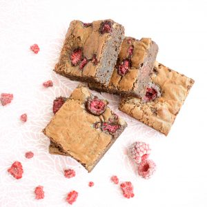 Organic Brownies Bestellen - Ook Vegan Brownies te bestellen - Onze brownies zijn lekker fudgy, ambachtelijk, vers op order en makkelijk per post verstuurbaar! - Nu met gratis persoonlijk bericht!