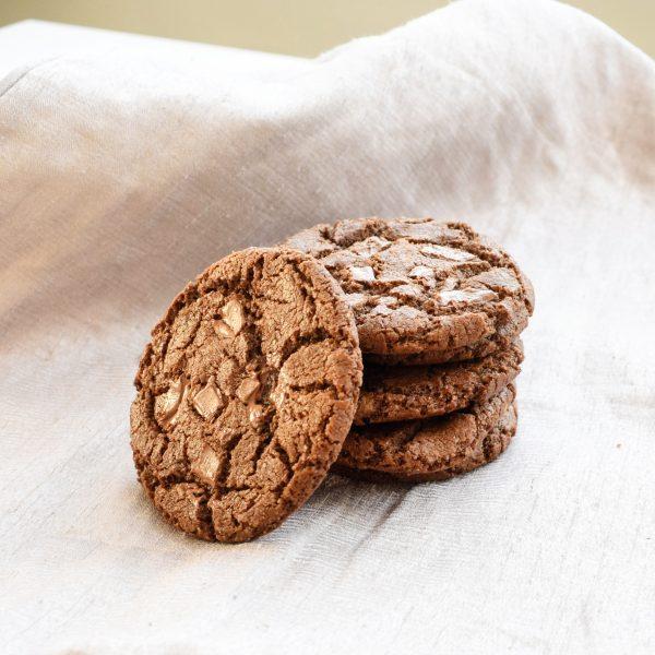 Bio Koekjes per post online bestellen én laten bezorgen! Ook Vegan opties! Bio Cookie Box online verkrijgbaar! Versgebakken op order - Cadeau - Relatie - Pure Chocolade - Chocoholics - Makkelijk Online Bestellen - Chewy Cookies - Order Online - Organic - Crispy Sides