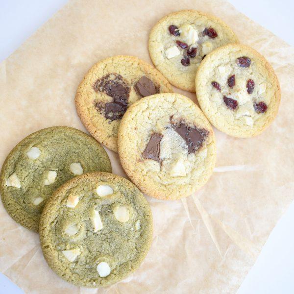Biologisch zoete lekkernijen online bestellen - ook Vegan en Lactosevrij! Voorbeeld van de meta omschrijving: Biologisch eten is gezond! Bestel vanaf nu gemakkelijk de allerlekkerste zoete lekkernijen - lactosevrij - vegan varianten - suikervrije koekjes - chocolade - relatiegeschenken - superfood cookies - matcha - pure chocolade - duurzaam