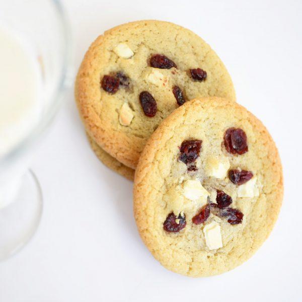 De allerlekkerste cookies bestel je nu gemakkelijk online! Koekjes per post! - GRATIS handgeschreven persoonlijk berichtje toevoegen aan jouw order! - Verras jouw gasten met versgebakken biologische koekjes! - De (h)eerlijkste cookies!