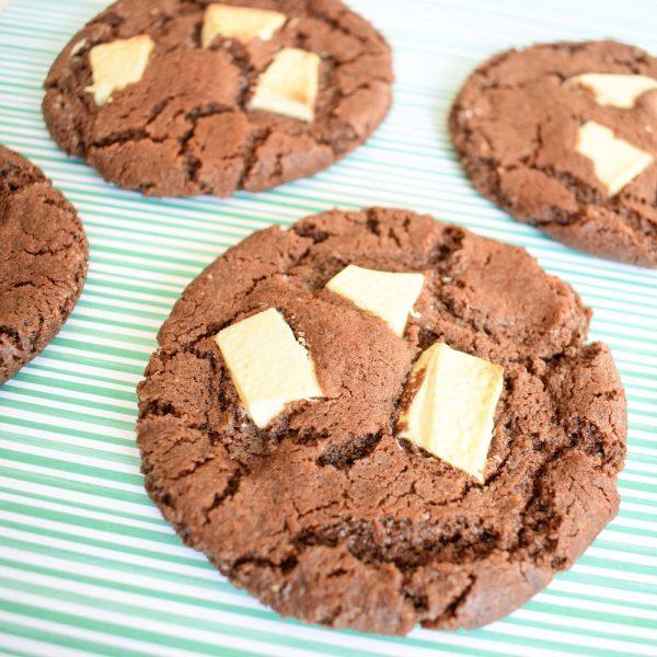 Chewy Cookies Per Post - De allerlekkerste biologische koekjes bestellen - Ook Vegan Chocolate Cookies verkrijgbaar! - Per post met handgeschreven boodschap - Ambachtelijk - Vers op Order - Duurzaam