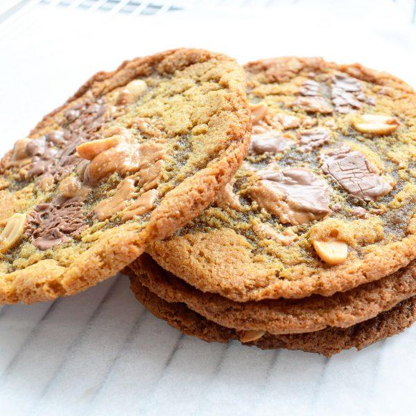 Grote Chocolate Chip Cookie Bestellen - EkoBites - Onze Chocolate Cookies zijn 100% BIO en we hebben ook Vegan keuzes - Cookie Box per Post - Met persoonlijk handgeschreven boodschap - Werkdagen voor 14:00 besteld = zelfde dag verzonden - Ambachtelijk - Handmade - Vers op Order - Duurzaam