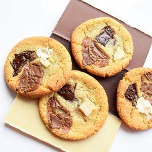 De lekkerste bio chocolade koekjes online bestellen - EkoBites - Onze Chocolate Cookies zijn 100% BIO en we hebben ook Vegan keuzes - Cookie Box per Post - Met persoonlijk handgeschreven boodschap - Werkdagen voor 14:00 besteld = zelfde dag verzonden - Ambachtelijk - Handmade - Vers op Order - Duurzaam