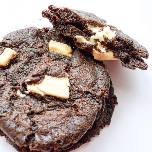 Organic Chewy Cookies Bestellen - NIEUW! - Onze Chocolate Cookies zijn 100% BIO en we hebben ook Vegan keuzes - Cookie Box per Post - Met persoonlijk handgeschreven boodschap - Werkdagen voor 14:00 besteld = zelfde dag verzonden - Ambachtelijk - Handmade - Vers op Order - Duurzaam