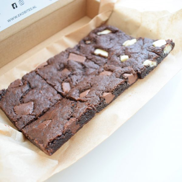 100% BIO Vegan Cookie Bars Party Box - Nu online verkrijgbaar! - Geniet zelf of verwen iemand met onze duurzame geschenken! - Organic Vegan Cookies per Post - Ambachtelijk - Duurzaam - Handmade - Vers op Order - Relatiegeschenken - Verwennerij - Beterschap - Cadeau - Uniek - Nieuw