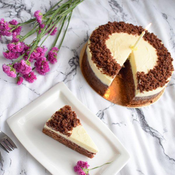 Bio Classic Red Velvet Cake Bestellen | Onze taarten zijn 100% BIO, ambachtelijk, duurzaam & vers op order - Bestel gemakkelijk online via de webshop | De lekkerste combi's + Vegan keuzes