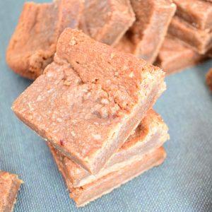 BIO Peanutbutter Cookie Bars Bestellen - Verras je geliefde met echte gebakjes - Heerlijke chewy cookies met pinda boter en alles is volledig biologisch - Zonder schuldgevoel genieten!