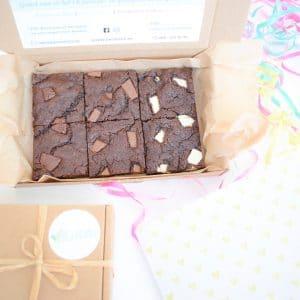 100% BIO Vegan Cookie Bars Party Box - Nu online verkrijgbaar! - Geniet zelf of verwen iemand met onze duurzame geschenken! - Organic Vegan Cookies per Post - Ambachtelijk - Duurzaam - Handmade - Vers op Order - Werkdagen voor 14:00 besteld = zelfde dag verzonden!
